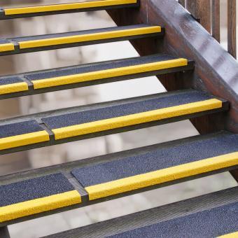 Antirutschkantenprofil GFK Extra Stark schwarz mit Kante gelb 230x800x30mm