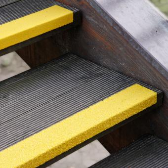 Antirutschtreppenkantenprofil GFK Medium gelb 70x800x30mm